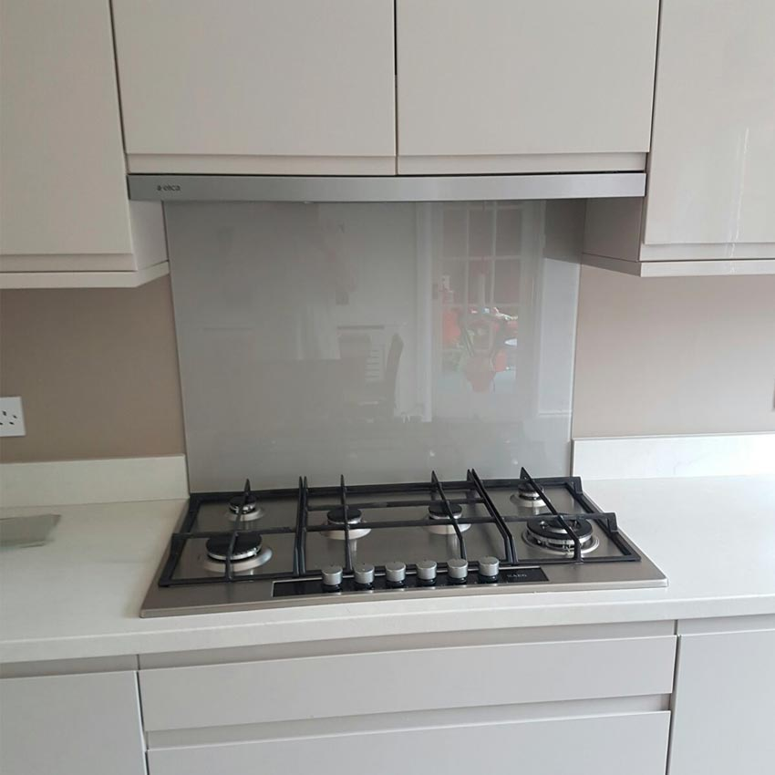 Grey glass splashback- kitchen ideas